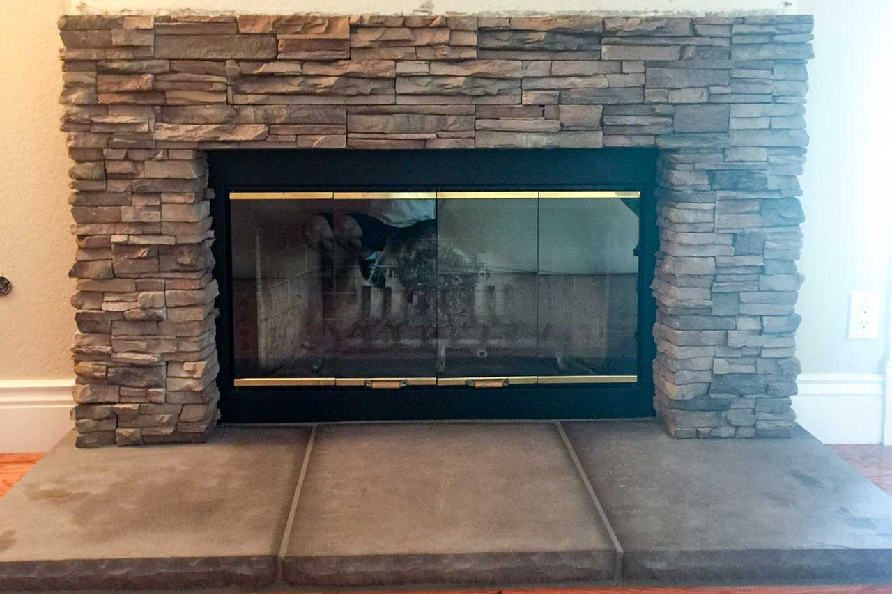 Fireplace With Enclosed Screen