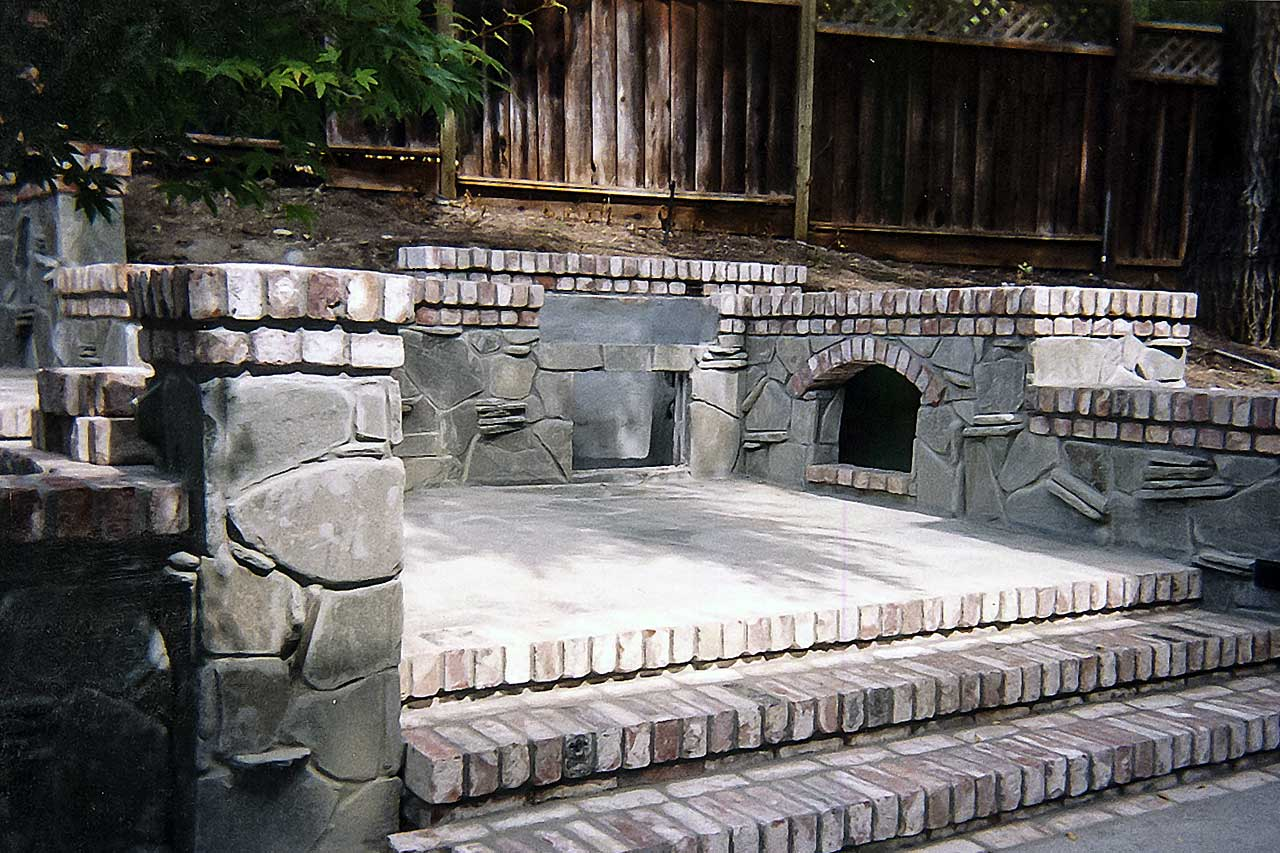 Outdoor Fireplace Setting - Barbeque Area